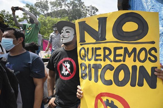 Salve de protestations pour le bitcoin