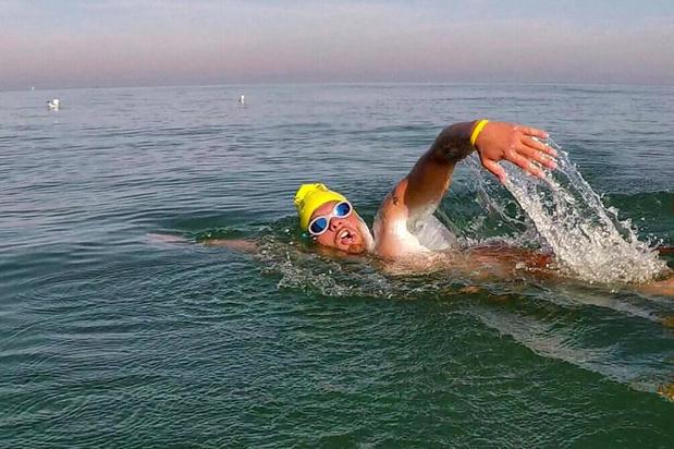Matthieu Bonne wil eind augustus de kustlijn als allereerste ooit afzwemmen