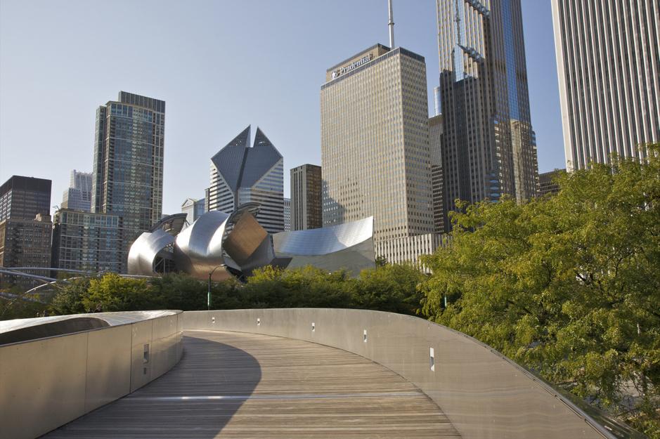 In beeld: de baanbrekende architectuur van Frank Gehry
