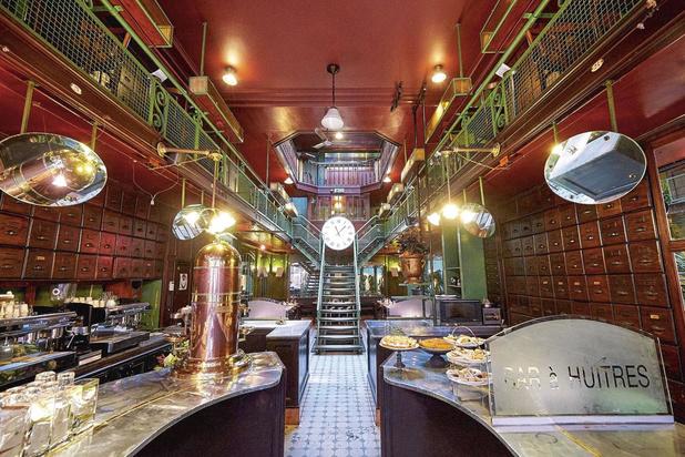 Un bar à huîtres impressionnant