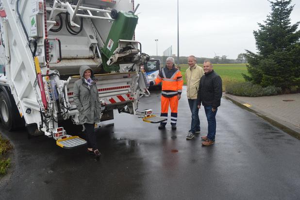 Vuilniszakken worden vervangen door containers in Damme