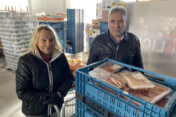 Stad en sociale organisaties zorgen samen voor voedselbedeling in Oostende