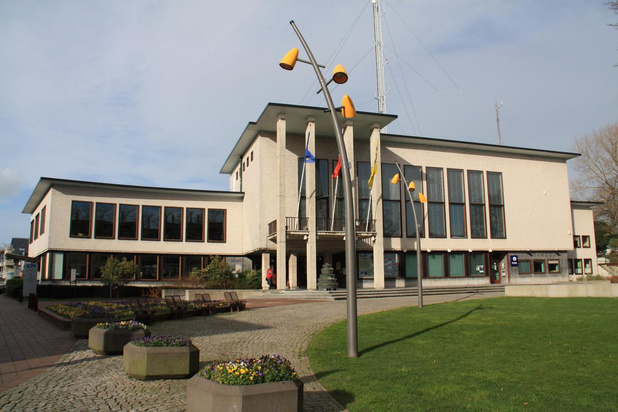 """Oppositie stemt tegen renovatie gemeentehuis: """"Dit kost te veel"""""""