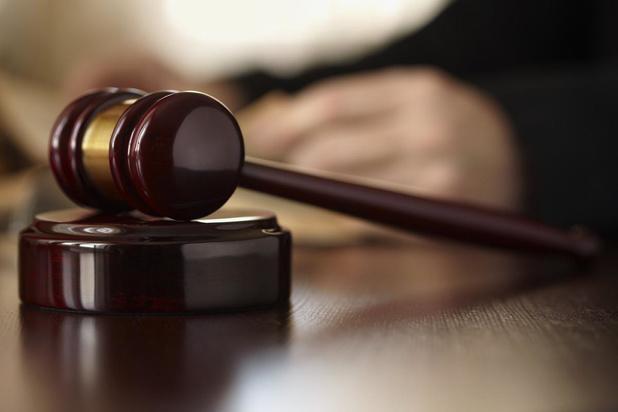 Man die ex stalkte omdat hij dochtertje niet mag zien, krijgt 10 maanden celstraf met voorwaarden