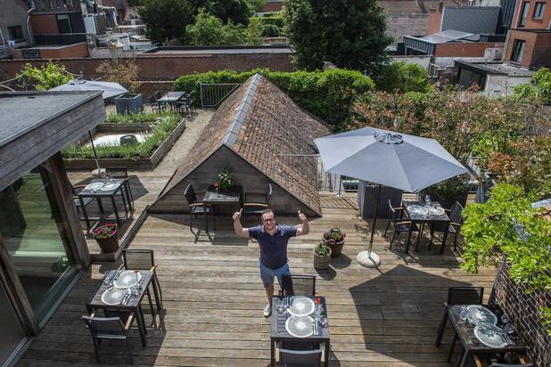 Chef-kok Pieter kookt op zijn dakterras