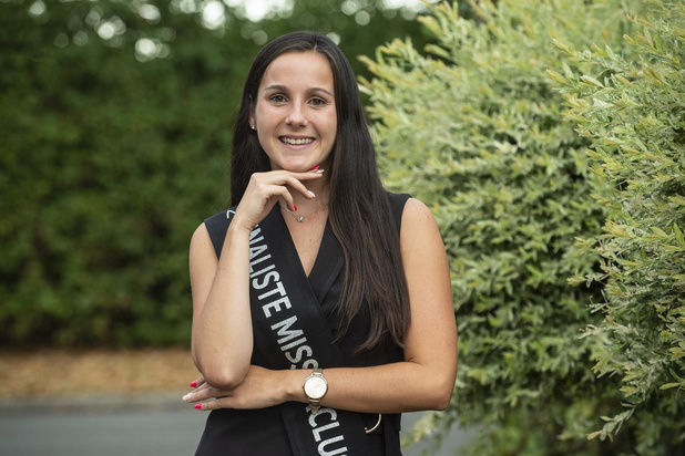 Als kind gepest, nu wil Julie uit Roeselare miss worden