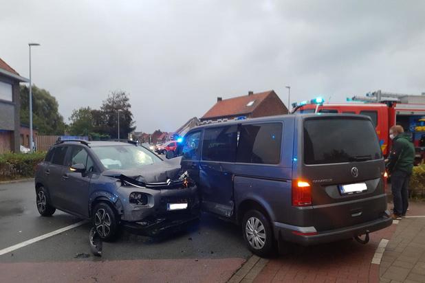 Bestuurster raakt gewond bij ongeval in Staden