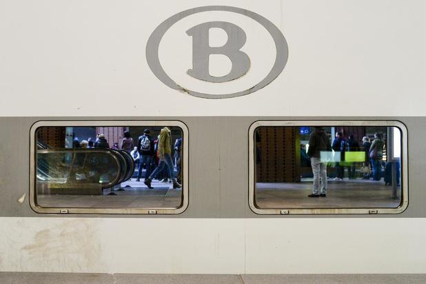 """NMBS: """"Mondmaskers worden heel belangrijk bij de opschaling van ons treinaanbod"""""""