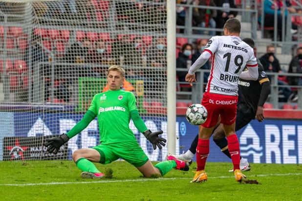 Waregem verliest tegen Antwerp en slikt vierde nederlaag in vijf wedstrijden