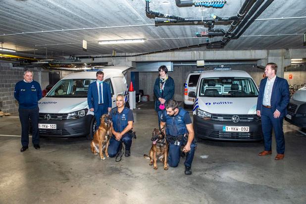 Hondengeleiders krijgen aangepaste voertuigen in politiezone RIHO