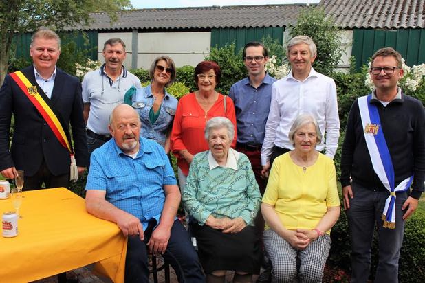 Maria Santy uit Oudenburg viert honderdste verjaardag