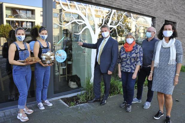 Oostkamp zet opnieuw spreuken op de vensters