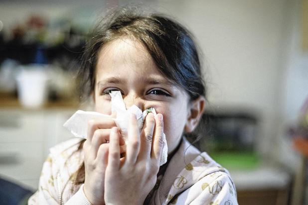 Waarom SARS-CoV-2 kinderen niet ziek maakt