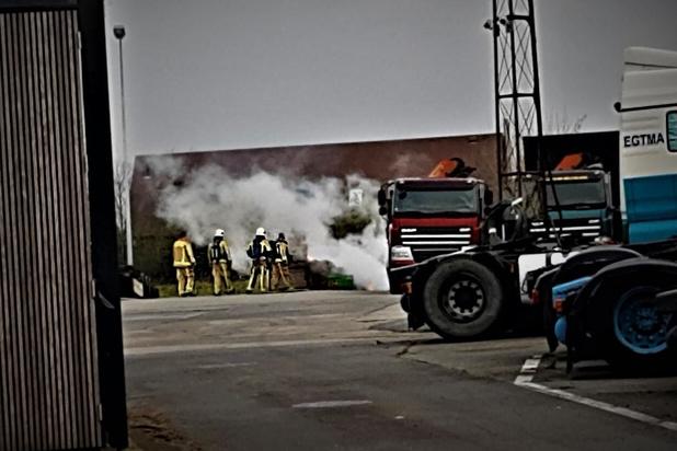 Brand op vrachtwagenterrein in Ardooie
