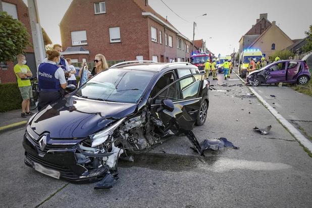 Vijf gewonden bij zwaar verkeersongeval in Moorsele