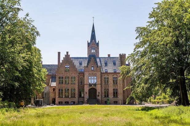 Restaurant en vakantieflats in sprookjesachtig kasteel Ryckevelde