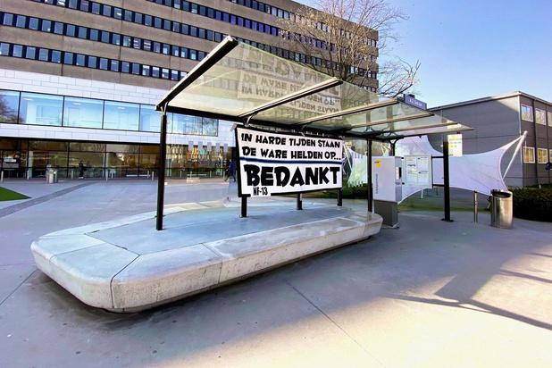 Na Cercle volgt Club: fans zorgen voor tifo's aan AZ Sint-Jan