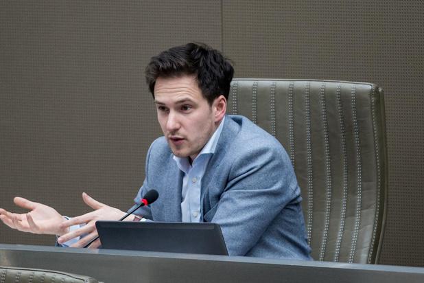 Burgemeester-kapper Francesco Vanderjeugd vraagt om sluiting kapsalons