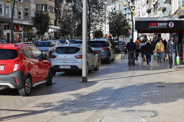 Gratis parkeren in De Panne en Pannebon als steun voor lokale handelaars