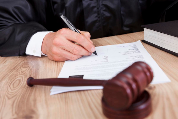 Moordenares eist 3.000 euro schadevergoeding van ex wegens stalking