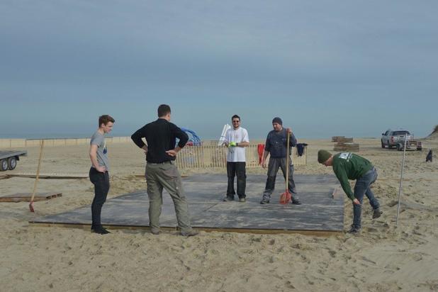 Knokke-Heist legt alle opbouwwerkzaamheden op het strand stil