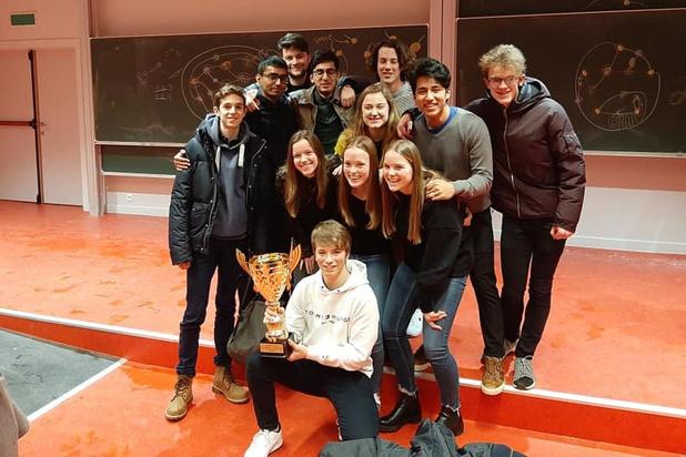 Leerlingen College Oostende winnen prestigieuze wiskundewedstrijd Unimath