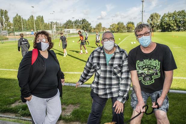"""Supporters KSV Roeselare: """"Zijn die zogenaamde investeerders dan nooit eens nagetrokken?"""""""