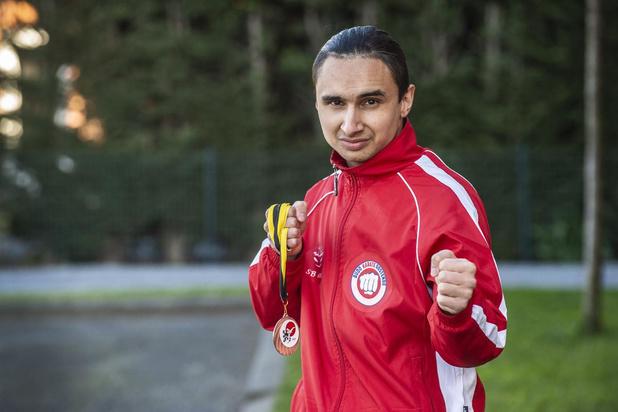Gjemajl Ademi wil Roeselaarse jeugd karate leren kennen en dames zich leren verdedigen