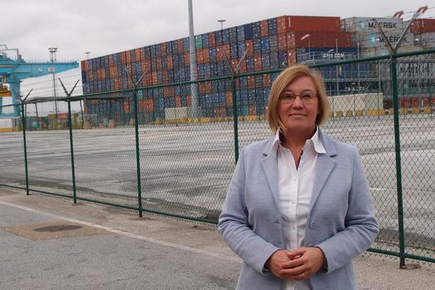 Coronacrisis kost Zeebrugge 15 containerschepen
