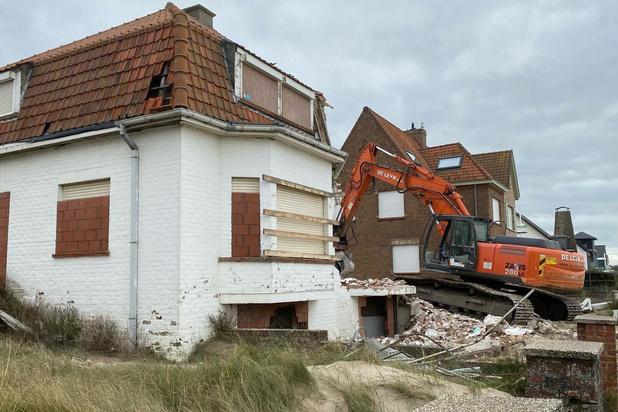 Villa die dienst deed als safehouse voor transmigranten afgebroken