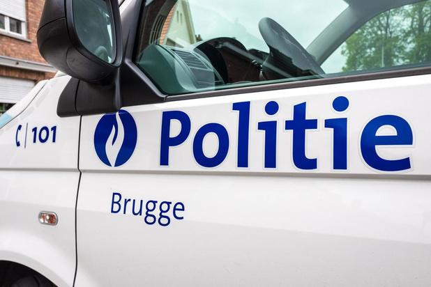 Politie schrijft 43 pv's uit in Brugge voor samenscholingen en niet-essentiële verplaatsingen