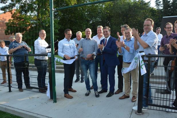 Inhuldiging kunstgrasveld Rodenbachstadion in Roeselare