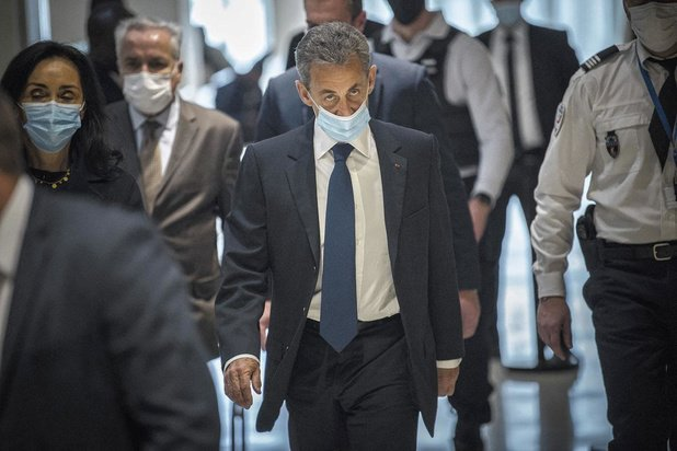 Sarkozy désespère la droite