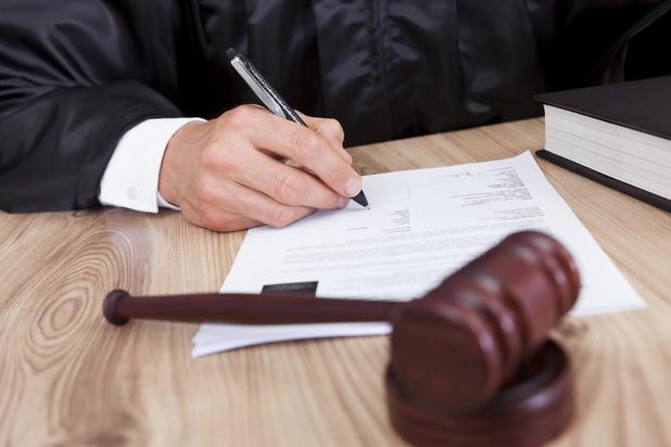 Eenbenige stalker uit Blankenberge riskeert vier jaar effectieve celstraf