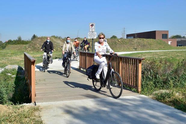 Nieuwe fietspaden AZ Delta in Rumbeke ingereden