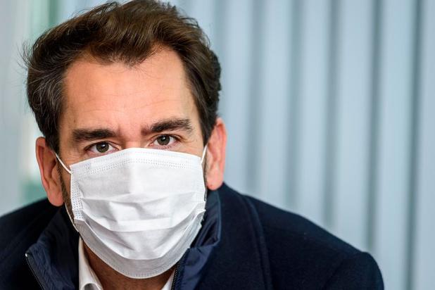 """Les Drs Clumeck, Gilbert et Belkhir proposent un label """"covid safe"""" pour sortir du yo-yo des fermetures liées au coronavirus"""