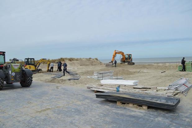 """Beachbar Barza begint aan opbouw: """"Alles klaar zetten voor wanneer we effectief openen"""""""