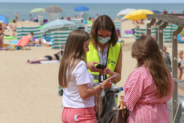 Ruim 20 procent minder dagtoeristen aan de kust in juli