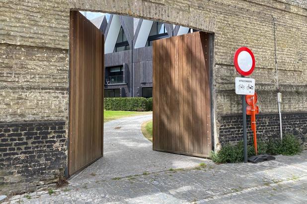 Poort in de Visspaanstraat heeft vanaf vandaag toegang tot prachtig stukje Brugge