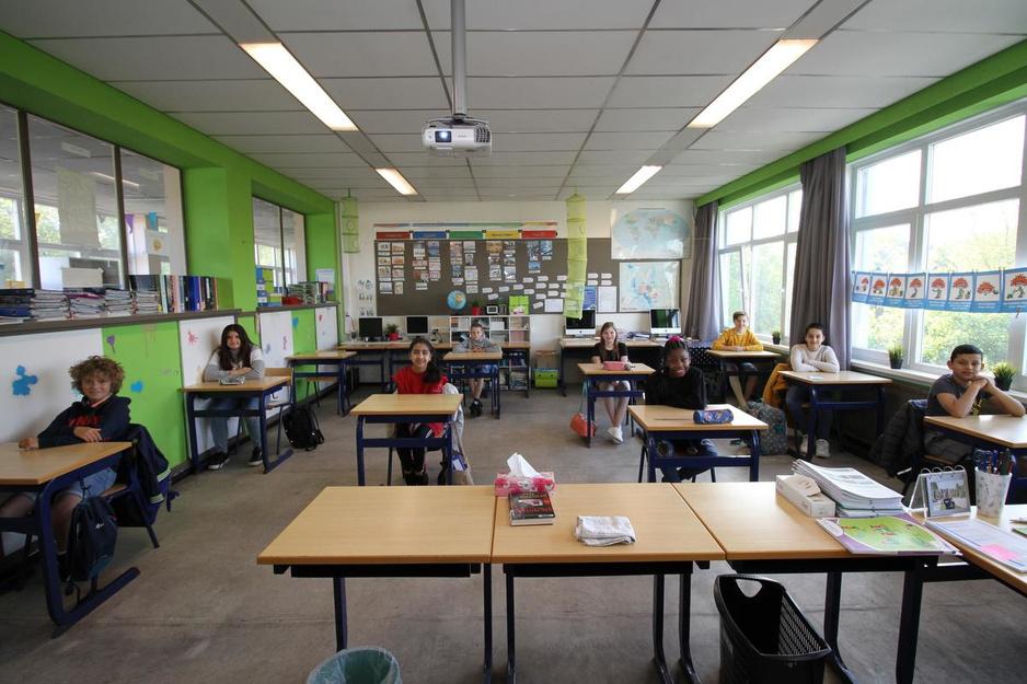 """De eerste schooldag van basisschool Vogelzang: """"Handen ontsmetten is de norm"""""""