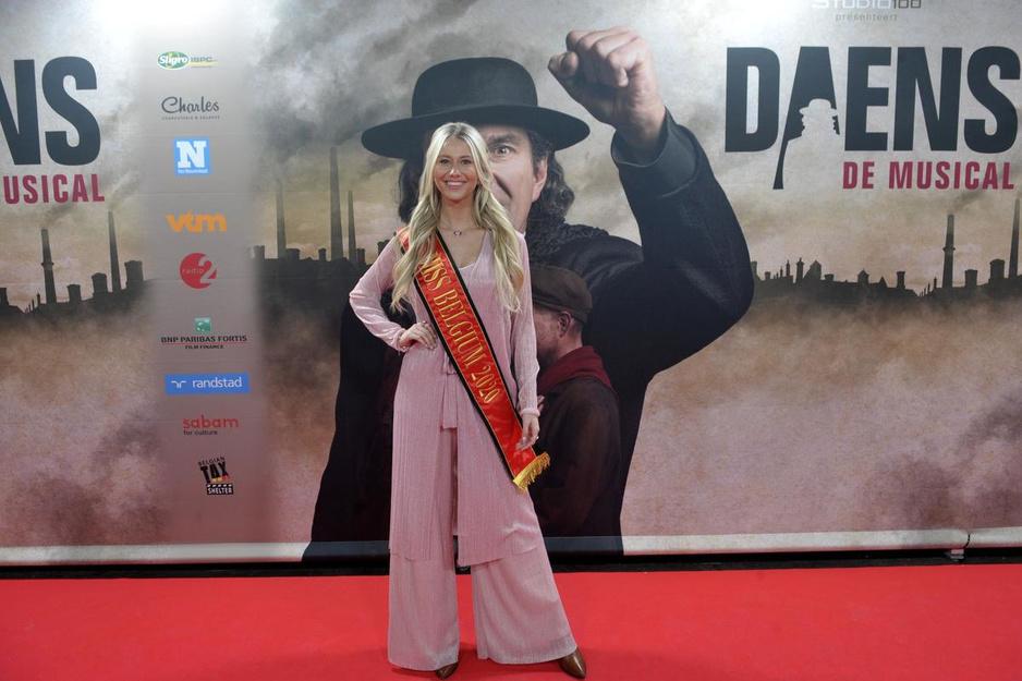 IN BEELD : Bekende Vlamingen genieten van première 'Daens, de musical 2.0'
