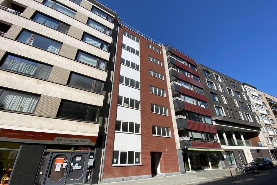 Doorgroeihuis daklozen Oostende verhuisd, sociale sector gaat door