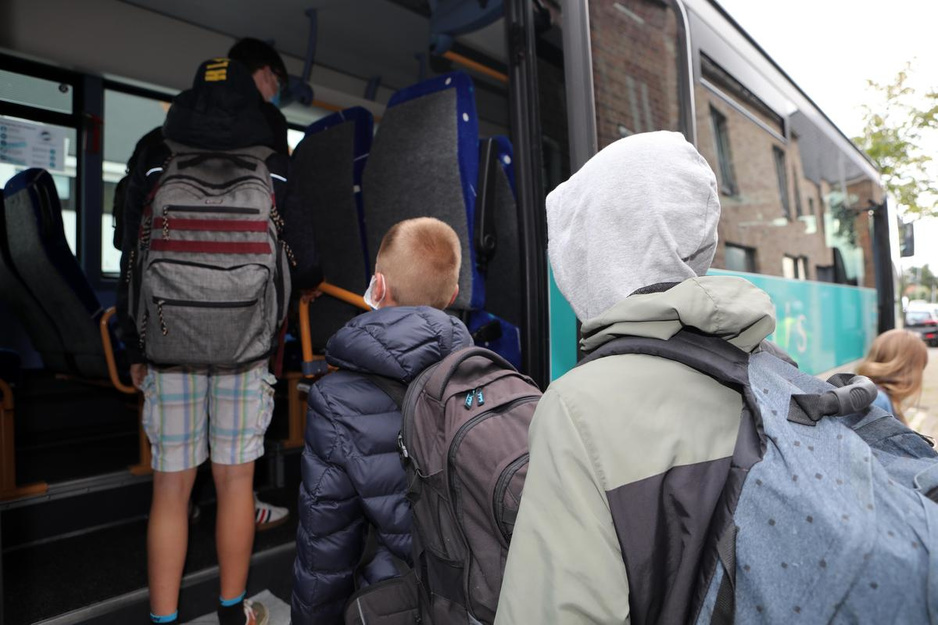"""1 september op de schoolbus: """"Hopelijk rijden we dit keer het hele schooljaar"""""""
