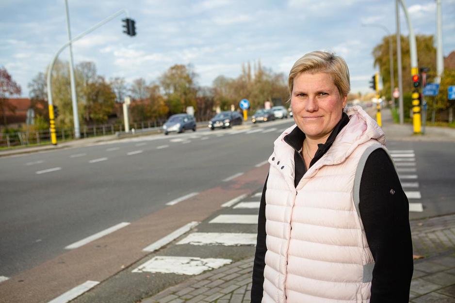 Weduwe van verkeersslachtoffer hekelt aanslepende situatie aan Gentpoort in Brugge