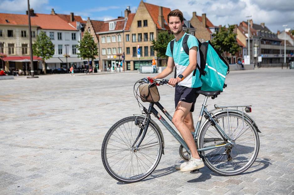 Drie jaar Deliveroo in Brugge: Onze Man test het uit... als koerier