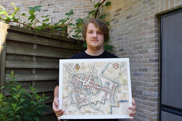 Student geschiedenis stippelt historische wandeling door Marke uit