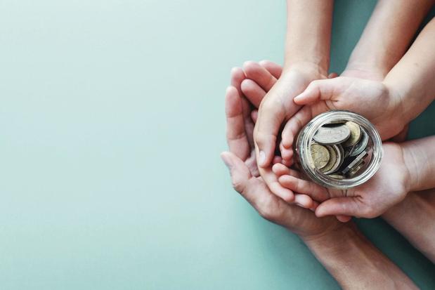 Van sparen naar beleggen: hoe haalt u een hoger rendement met het spaargeld van uw kinderen?