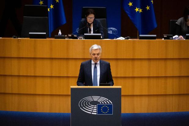 D. Reynders confirme que la Commission européenne n'achètera plus de vaccins AstraZeneca