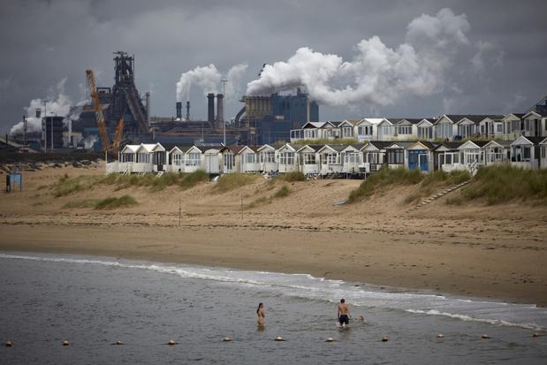 Omwonenden staalfabrikant Tata Steel in IJmuiden blootgesteld aan schadelijke stoffen