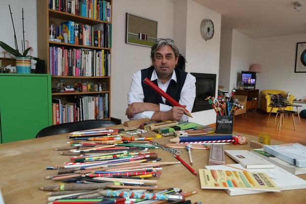"""Diederik Vandenbilcke (56) heeft hele collectie potloden: """"Ik heb zelfs potloden met mijn eigen naam op"""""""